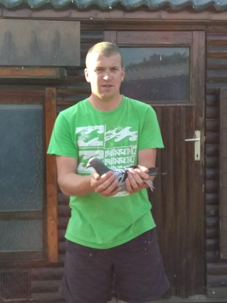 De 20-750 van Erik Kool uit Ameide wint als jong 1/7585 en 2/5845